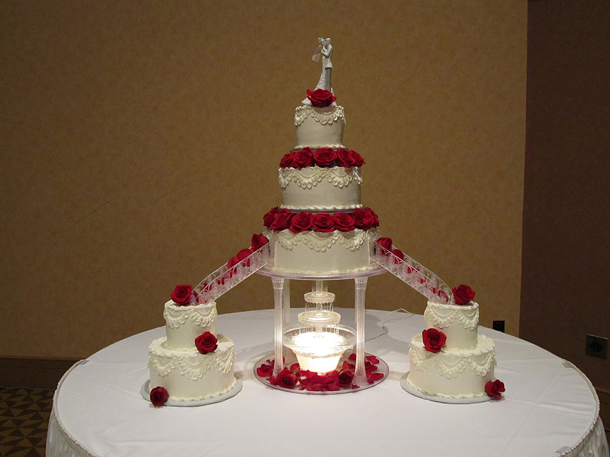 Bert S Bakery Custom Wedding Cake